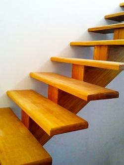 Madeiras nobres para escadas